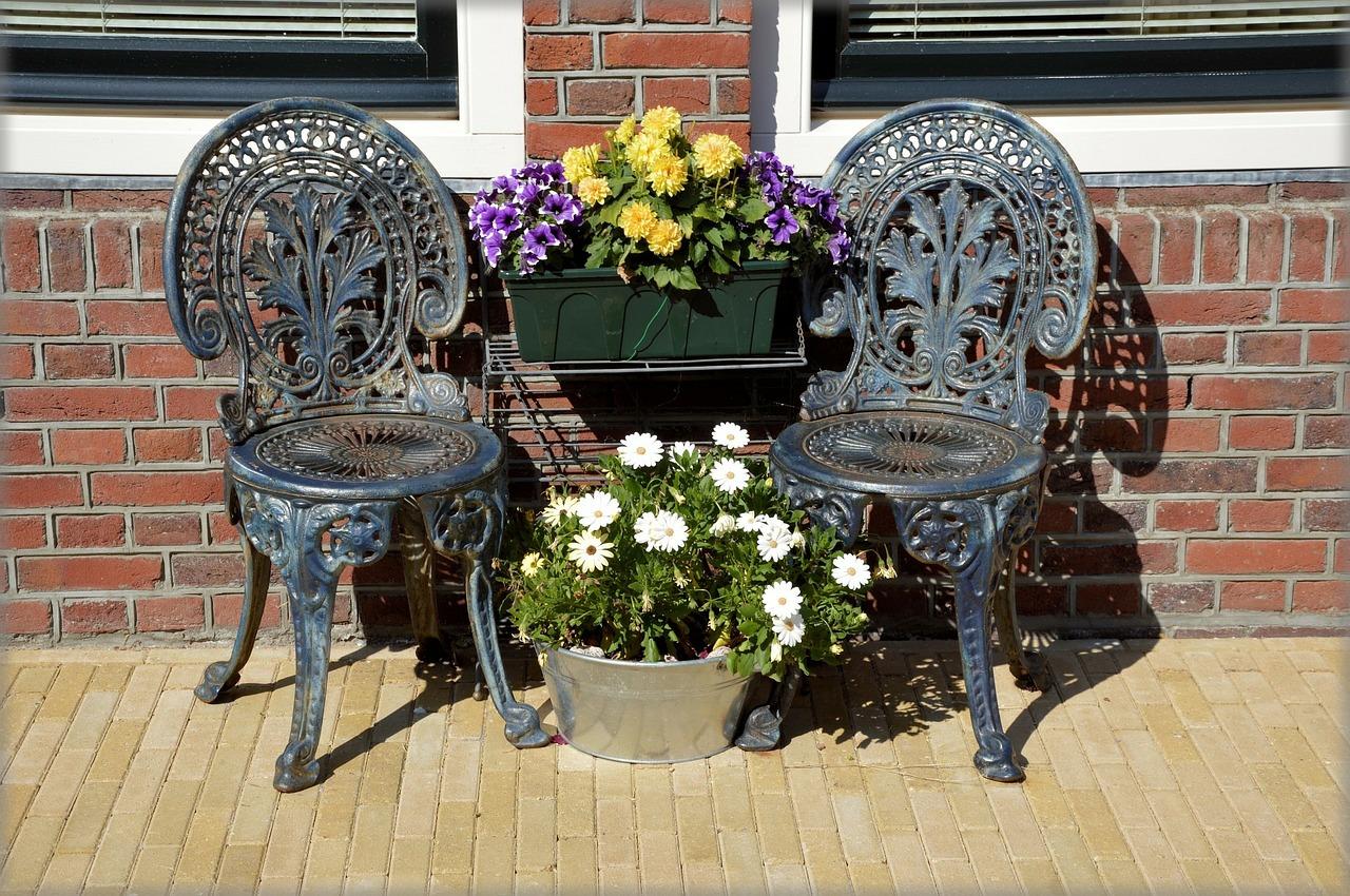 כיסאות מתכת מעוצבים