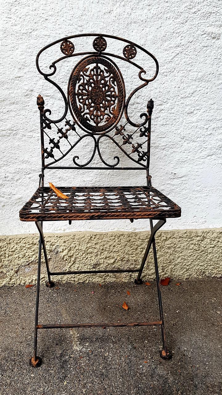 רהיטים מעוצבים ממתכת